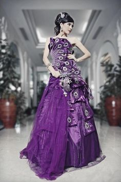 Custom Luxury Arab Strapless Peacocks Sequined Sleeveless Lace Wedding Dress With Beaded Ball Gown To The Bride Wedding Dress Floor Length Wedding Gowns Bridal Dresses From Nvrenwangguo, $182.2| Dhgate.Com