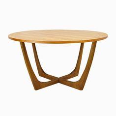 die besten 25 glastisch rund ideen auf pinterest couchtisch glas rund couchtisch glas und. Black Bedroom Furniture Sets. Home Design Ideas