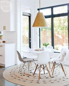 awesome Salle à manger - House tour: Stylish eat-in area {PHOTO: Janis Nicolay}... Check more at https://listspirit.com/salle-a-manger-house-tour-stylish-eat-in-area-photo-janis-nicolay/