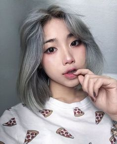Images and videos of ulzzang girl Hair Inspo, Hair Inspiration, Uzzlang Girl, Hair Reference, Girl Short Hair, Silver Hair, Gorgeous Hair, Hair Looks, Pretty Hairstyles