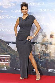 jimmy choo heels and spurs Estilo Halle Berry, Halle Berry Style, Halle Berry Hot, Halley Berry, Peplum Dress, Dress Up, Afro, Black Goddess, Good Looking Women