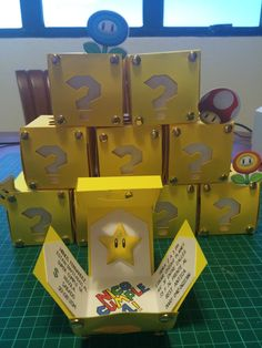This listing includes:  • 1 Super Mario Explosion Invitations Box printed on 250 grms glossy or matte paper • The invitation could be in any language
