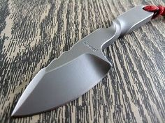 Peter Atwood's Twister knife. http://www.atwoodknives.com