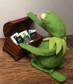 Super Ideas memes kermit the frog the muppets Funny Love, Funny Kids, Sapo Kermit, Kpop Wallpaper, Frog Life, Memes Funny Faces, Kermit The Frog, True Memes, Boyfriend Humor