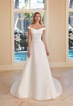 Simple Wedding Gowns, White Wedding Gowns, Princess Wedding Dresses, Elegant Wedding Dress, Wedding Dress Styles, Bridal Dresses, Dress Wedding, Off Shoulder Wedding Dress, Satin Gown
