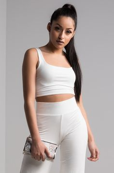 dd8eedf44622c The AKIRA label Make It Right Crop Top is simple