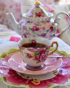 Aiken House & Gardens: Spring Time Afternoon Tea - I have been to her lovely home....and  I could not speak because it was so beautiful.