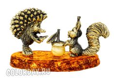 "фигурка ""Еж и Белка - Дружба"" Baltic Amber, Lion Sculpture, Statue, Art, Kunst, Sculpture, Art Education, Artworks"
