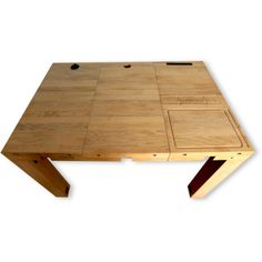 This is a project whose concept is meritorious enough to look at, but problematic enough that we should talk about it. Deskbloks are a system of technology-embedded oak squares which end users are meant to assemble together into a desk. There are five varieties of these blocks, as seen below: