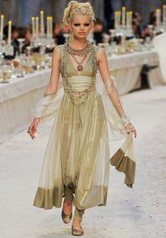 chanel Talk about a dress that would command the room.  Lovely.