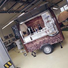 Cafe Shop Design, Coffee Shop Interior Design, Coffee Design, Food Trucks, Kombi Food Truck, Food Cart Design, Food Truck Design, Mobile Cafe, Mobile Kiosk