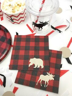 Lumberjack Party Napkins - Sold in sets of 16, 32, or 48 Napkins These adorable lumberjack napkins are sure to be a hit at your lumberjack event. Sold in sets of 16, 32 or 48, so you can customize to your guest list! This listing includes the following items: - red & black plaid