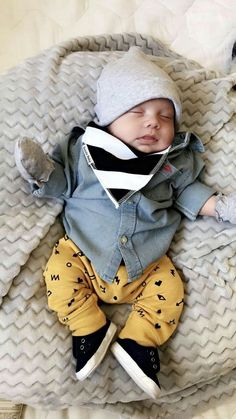 1376 Best Baby Fashion images in 2019 Baby Boy Swag, Cute Baby Boy, Baby Kind, Cute Baby Clothes, Cute Kids, Cute Babies, Baby Boy Hats, Baby Outfits, Little Boy Outfits
