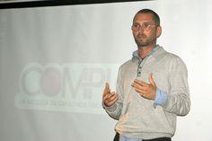 Crónica de la charla de Uri Altell, Fundador y Director Creativo de Strike
