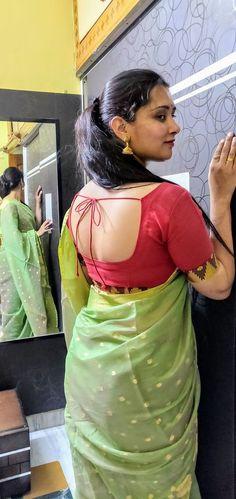 Beautiful Women Over 40, Beautiful Girl Indian, Most Beautiful Indian Actress, Beautiful Saree, Beautiful Outfits, Beautiful Roses, Beauty Full Girl, Beauty Women, Real Beauty