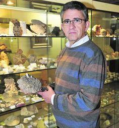 Francisco Guillén Mondéjar Profesor titular de Geología en la Universidad de Murcia: «La falta de formación del profesorado, de geólogos en los institutos, es un gran problema» http://ababol.laverdad.es/ciencia-y-salud/5334-la-geologia-es-lo-unico-que-nos-permite-vivir-en-armonia-con-nuestro-planeta