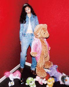女優 #中条あやみ と #NYLON が00sファッションを17sのトレンドとミックスし発信ピンクとキラキラが溢れたジューシーでキュートなブームが #2k17 年春再来する May issue P9 JUICY VIBES model #ayaminakajo jacketpantstosshoes @givenchyofficial tiara #vintage @faithtokyo dolls @spiral_toy #nylonjapan #nylonjp #fashion #juicyvibes #itgirl #trend #mix #Y2k #00s #2000s #spiral #caelumjp  via NYLON JAPAN MAGAZINE OFFICIAL INSTAGRAM - Celebrity  Fashion  Haute Couture  Advertising  Culture  Beauty  Editorial Photography  Magazine Covers  Supermodels  Runway Models