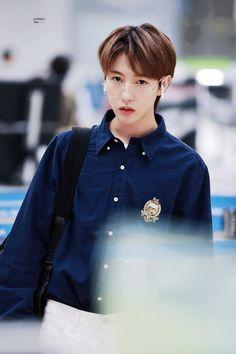 OMG , renjun has come to Vietnam already Nct 127, Winwin, Taeyong, Ntc Dream, Yuta, Huang Renjun, Fandoms, Na Jaemin, Entertainment