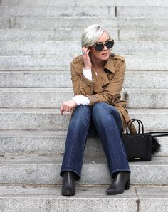 Colour Me Classic | How to Wear Flared Jeans