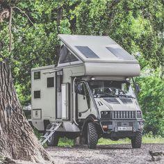 This Bremach trex expedition camper is ready to take on the world. Did we mention it has enough space for a family of four and is almost as good offroad as an unimog? Overland Truck, Expedition Vehicle, Adventure Campers, Off Road Adventure, Camper Caravan, Truck Camper, Camper Van, Iveco 4x4, Cool Rvs