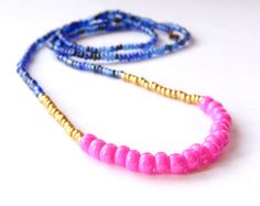 seed bead necklace. increasing bead size