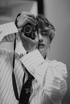 Read TaeHyung from the story The Type of boyfriend BTS by (Jennie) with reads. boyfriend, type, of. TaeHyung è il tipo di fidanzato che se. Bts Taehyung, Bts Selca, Jungkook Jimin, Bts Bangtan Boy, Namjoon, Taehyung Photoshoot, Jimin Hot, Taehyung Fanart, Bts Lockscreen