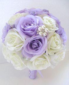 Soie de mariage fleur Bouquet Bridal lavande lila crème Ivoire broche 17 bouquets de paquet pièce agencement pièces maîtresses RosesandDreams