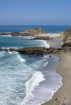 Laguna Beach, CA- Wish my sister still lived in Irvine so I could spend more time here.  Used to love heading to this beach.