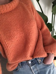 Strikkeoppskrift: Sunnivagenseren – Knitting For Beginners Love Knitting, Jumper Knitting Pattern, Knitting Videos, Knitting For Beginners, Knitting Stitches, Knitting Socks, Knitting Projects, Knitting Scarves, Start Knitting