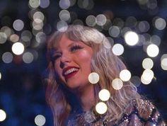 Taylor Swift 2017 angel performance