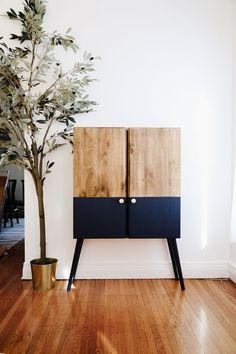 Ikea Furniture Hacks, Upcycled Furniture, Furniture Projects, Home Furniture, Furniture Design, Ikea Hacks, Retro Furniture Makeover, Ivar Ikea Hack, Whitewash Furniture