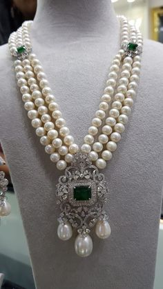 Boho Jewlery Jewerly Necklace Emerald Art Deco 20 Ideas For Boho Jewlery Jewerly Necklace Emerald Art Deco 20 Ideas For 2019 Pearl Necklace Designs, Pearl And Diamond Necklace, Pearl Jewelry, Diamond Jewelry, Wedding Jewelry, Beaded Jewelry, Emerald Necklace, Pearl Diamond, Silver Jewelry