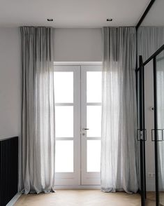 Linen curtains in misty grey ♡ for a touch of softness in this beautiful home . Linen curtains in misty grey ♡ for a touch of softness in this beautiful home in Amsterdam. Have a great weekend all! Grey Linen Curtains, Pink Curtains, Nursery Curtains, Curtains Living, Rustic Curtains, Colorful Curtains, Curtains With Blinds, Farmhouse Curtains, Bathroom Curtains