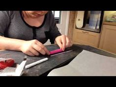 Tutorial showing you how to make a polymer clay handle for a crochet hook. Explains how to make a spotty design. Diy Crochet Hook, Diy Crochet Sweater, Crochet Tools, Easy Crochet, Polymer Clay Projects, Diy Clay, Crochet Flower Squares, Crochet Handles, Diy Hooks