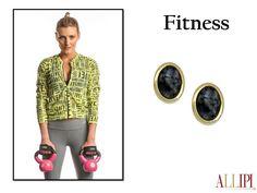 Look Fitness com acessórios elegante para mulheres modernas. #allipi