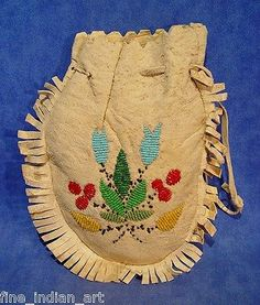 Authentic CREE Indian Beaded Fringed Rounded Bag with Floral Beadwork -*-*- Native American Art, American Indians, Cree Indians, Native Style, Beaded Bags, Indiana, Beadwork, Beading, Nativity
