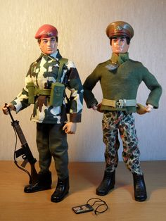 Vintage Action Man figures from Palitoy. From the left, Paratrooper and Talking Commander. Vintage Toys 1970s, Retro Toys, Vintage Men, Childhood Toys, Childhood Memories, Gi Joe Vehicles, Military Action Figures, Old School Toys, Popular Toys