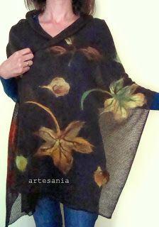 Artesania-rękodzieło: Jesień idzie przez park ... Alpaca Poncho, Wool Poncho, Crochet Wool, Crochet Shawl, Nuno Felting, Needle Felting, Knitted Capelet, Poncho Knitting Patterns, Ladies Poncho