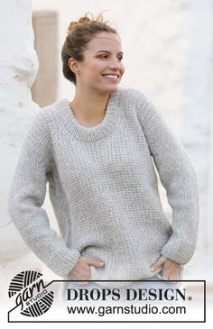 Ravelry: Rainy Day Sweater pattern by DROPS design Drops Design, Sweater Knitting Patterns, Knit Patterns, Free Knitting, How To Purl Knit, Work Tops, Stockinette, Sweater Weather, Knit Crochet