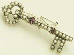 Pearl, 0.32 ct Diamond and 15 ct Yellow Gold Key Brooch - Antique Victorian