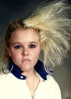 Bad-Hair School Picture Straight from the Walmart Photo lab, a new album of bad & funny family photos for ya to share with friends and neighbors. Bad Hair Day, Big Hair, 80s Haircuts, 90s Hairstyles, Terrible Haircuts, Funny Family Photos, Awkward Family Photos, Awkward Pictures, Glamour Shots