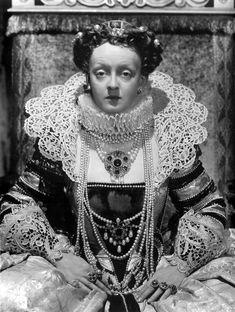 """Bette Davis en """"La vida privada de Elizabeth y Essex"""", 1939"""