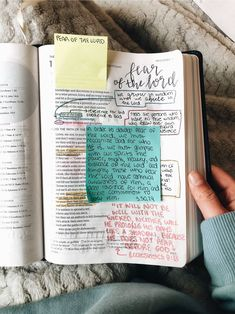 Learn more about our online bible college programs and different Biblical Studies that could help you with your degree or just seek out that knowledge. Cute Bibles, Jesus Loves, Bibel Journal, Bible Doodling, Bible Study Journal, Bible Notes, Bible Encouragement, Bible Art, Study Notes