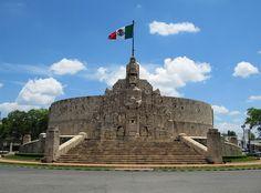 Monumento a la Patria, Paseo Montejo, Merida, Yucatan, Mexico by Bencito the Traveller, via Flickr