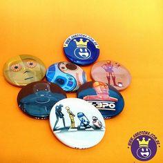 Para quem adora star wars, novidades na SN Botons  Nos mande um whats 11-98221-4771  #SNBotons #bottons #Botons #buttons #badges #pins #r2d2 #c3po #starwars #darthvader #livro #Livros #geek #nerd #otaku #Cosplay