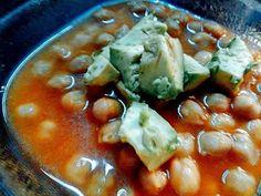 Receta de sopa de Garbanzos - YouTube Guacamole, Vegetables, Ethnic Recipes, Youtube, Food, Chickpea Soup, Soup Recipes, Ethnic Food, Veggies