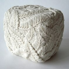 Stunning ceramics Hitomi Hosono. // Hitomi Hosono - ceramist from Japan. Her amazing creativity is original and unusually beautiful. For each work the artist takes about five months. Flowers, leaves, twigs of plants are artfully created by the skilled artist creating dazzling artworks.