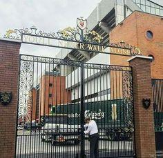 The shankly gate is back ❤ Lfc Tattoo, Liverpool Fc, Gate, Street View, Football, Soccer, Futbol, Portal, American Football