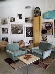 In Malibu, Surf Cowboy has the beach home vibe. ♥ Style Surf, Surf House, Beach House, Surf Room, Malibu Homes, Coastal Decor, Coastal Interior, Apartment Design, Decor Interior Design