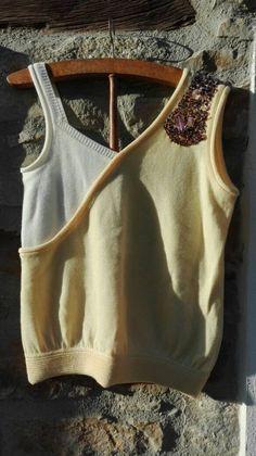 Guarda questo articolo nel mio negozio Etsy https://www.etsy.com/it/listing/501180062/canotta-bicolore-giallo-e-bianco-in